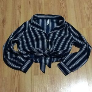 Tops - Striped tie front crop top NWT!